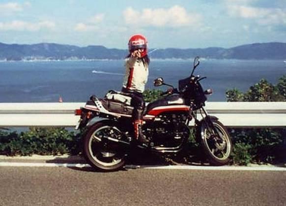 高市早苗は元ヤンキーで昔のバイクはZ400の改造車