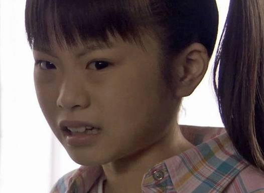 山崎怜奈の顔が変わった部分は目?